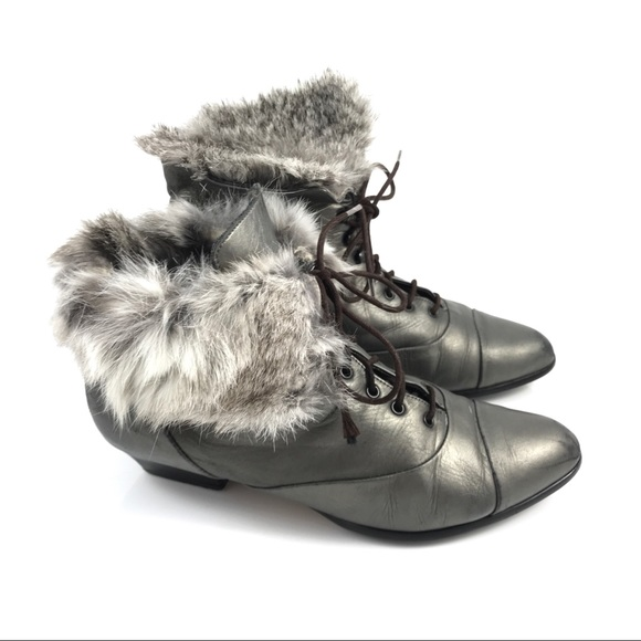 e3f8cce0c8c5a Vintage metallic pewter leather ankle boots w/fur